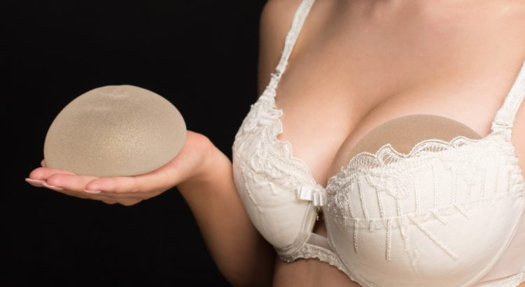 plasticka operacia prs, skuska implantatov