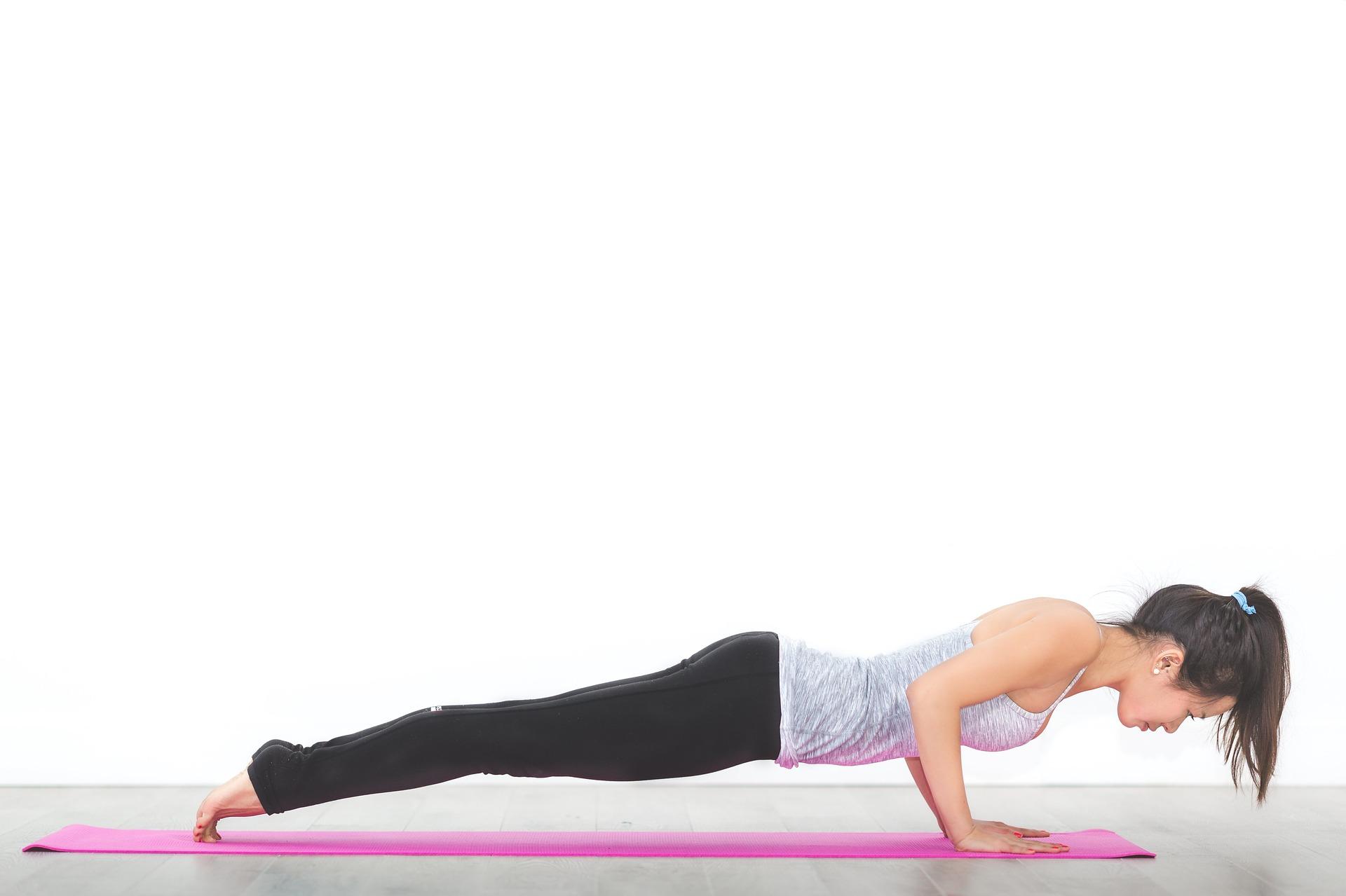 umelé prsia a cvičenie