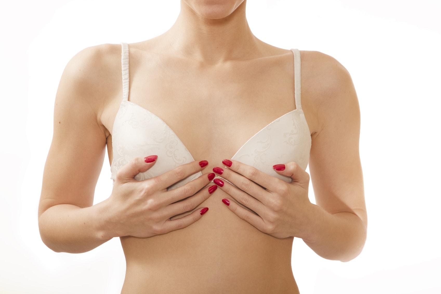 podprsenka drží prsia pokope