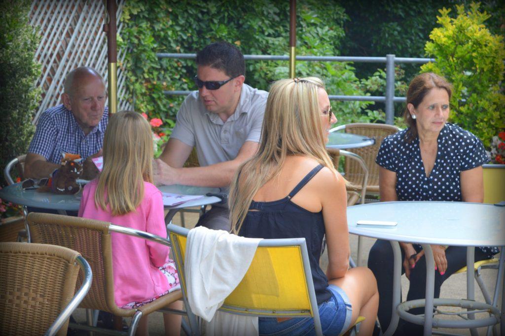 silikónové prsia prediskutovať s rodinou
